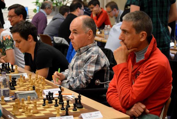 """in primo piano il tre volte vincitore del torneo 'Scacchi d'Iverno"""" Alessio De Santis"""