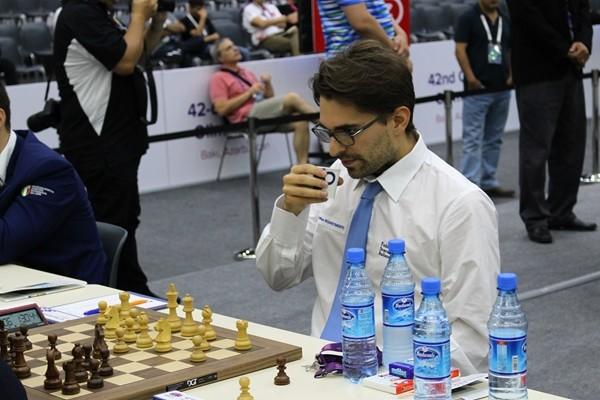 Axel Rombaldoni porta a casa una sudata patta contro Tomashevsky!