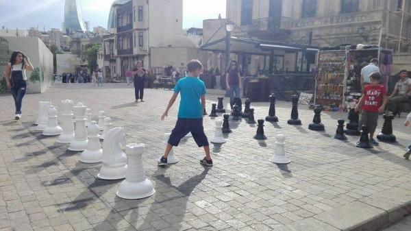Olimpiadi_2016_riposo_scacchi_giganti