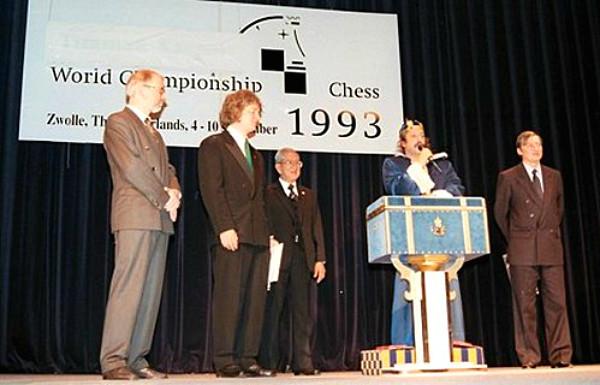 KArpov e Timman nel Match Mondiale FIDE del 1993, dominato da Karpov per 12,5-8,5
