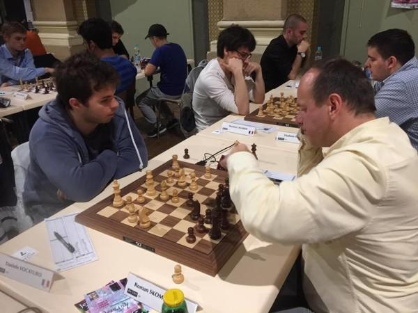 Vocaturo batte il MI Skomorokhin nell'ottavo turno ed entra nella Top-10