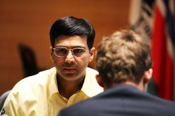 Anand pronto a cedere la corona