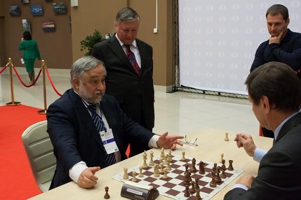 il quattro volte Campione del Mondo Senior Anatoly Vaisser