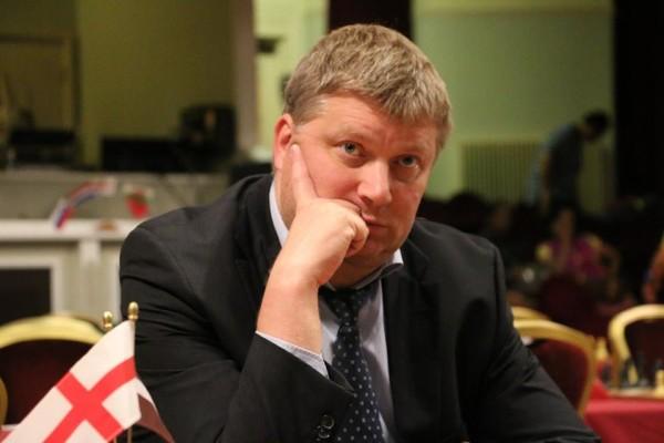Alexei Shirov, giocatore-organizzatore