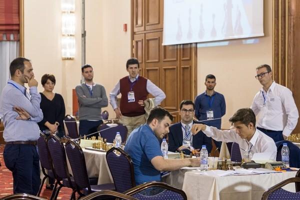 Moroni segna il punto decisivo contro Guseinov. Foto Niki Riga