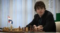 """Jorden Van Foreest, per anni ha conteso a Rambaldi il """"titolo"""" di migliore speranza """"occidentale"""", ma ultimamente ha preso il largo (+66 Elo FIDE) anche grazie al diradarsi degli impegni dell'italiano"""