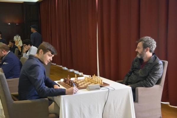Questa volta un +2 non basta ad Alberto David, qui impegnato contro Gilevych, per conquistare il Titolo di Campione Italiano