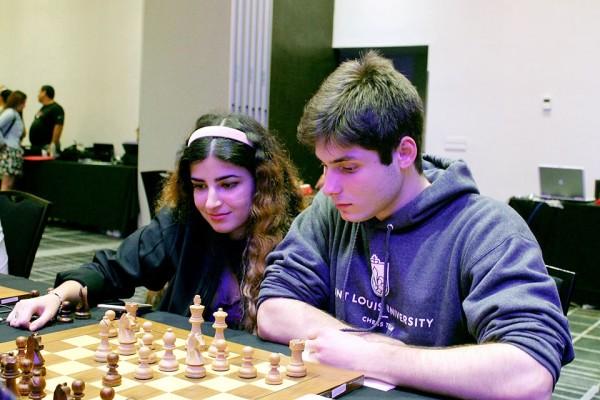 Franceso Ralmbaldi, qui con la Derakhshani, della Saint Lous University