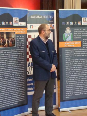 Godena alla Mostra scacchi al Palazzo della Provincia di Cosenza