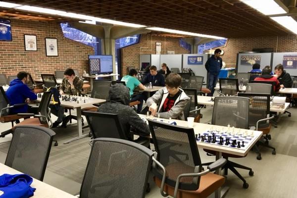 intense sessioni di allenamento per i componenti delle squadre della Webster University