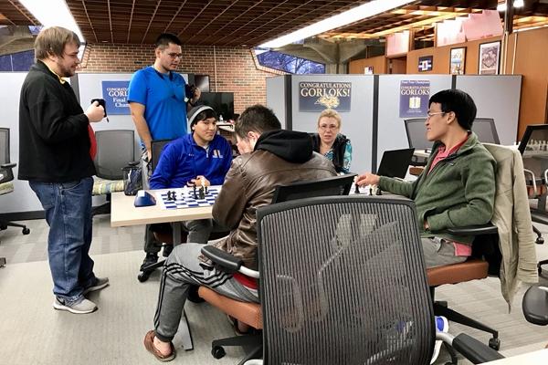 le Quang Liem presente allo stage di preparazione della Webster University. Foto @SusanPolgar
