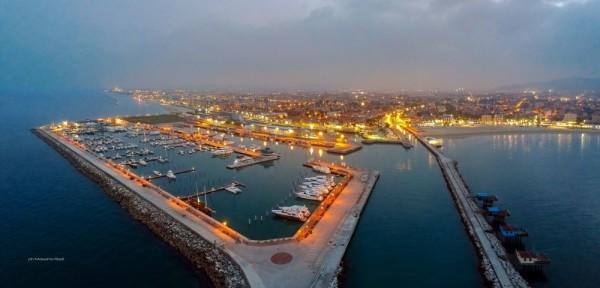 Il porto Turistico Marina dei Cesari di Fano al tramonto