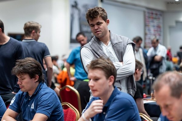 "Carlsen in versione ""tifoso"""