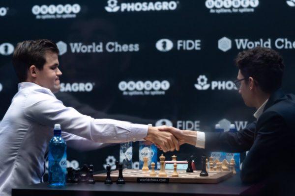 Caruana abbandona nella prima, e il match rapid sembra già finito