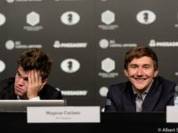 Carlsen-Karjakin_Conferenza_Stampa_5_Mondiale_2016