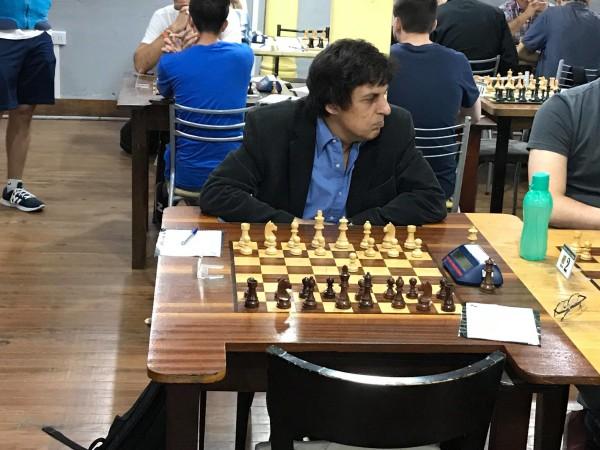 """Carlos Garcia Palermo (a sinistra), classe 1953, il giocatore più """"esperto"""" del torneo"""