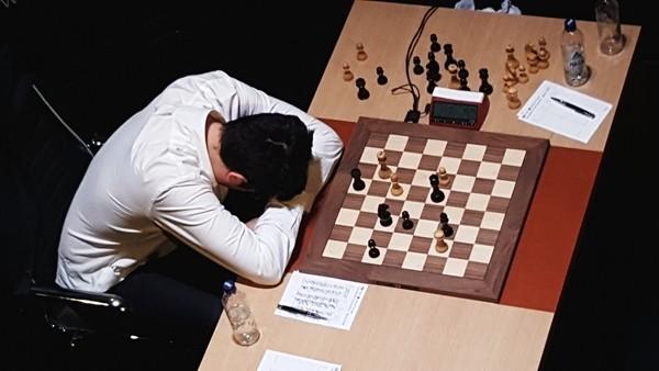 """Kramnik """"distrutto"""" subito dopo il controllo della 60esima mossa con Caruana"""