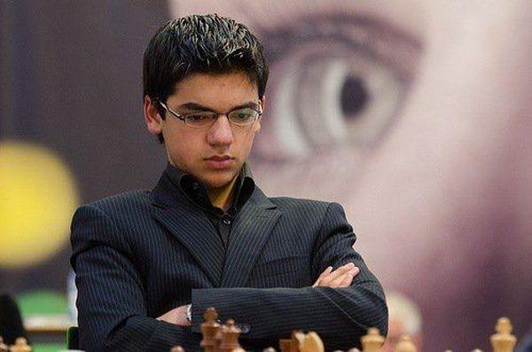 Anish Giri Numero quattro al Mondo, prima scacchiera dell'Olanda ma con un occhio alla media Elo che qualifica al Torneo dei Candidati