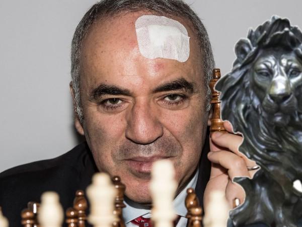 Kasparov leone bronzo